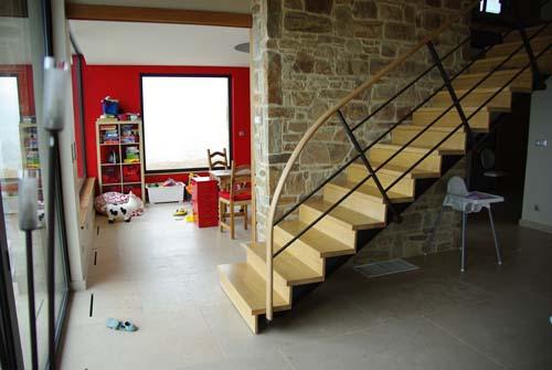 animation metallerie bruyas rhone. Black Bedroom Furniture Sets. Home Design Ideas